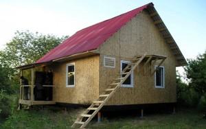 Каркасный дом на винтовых сваях